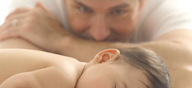Massaggio al neonato